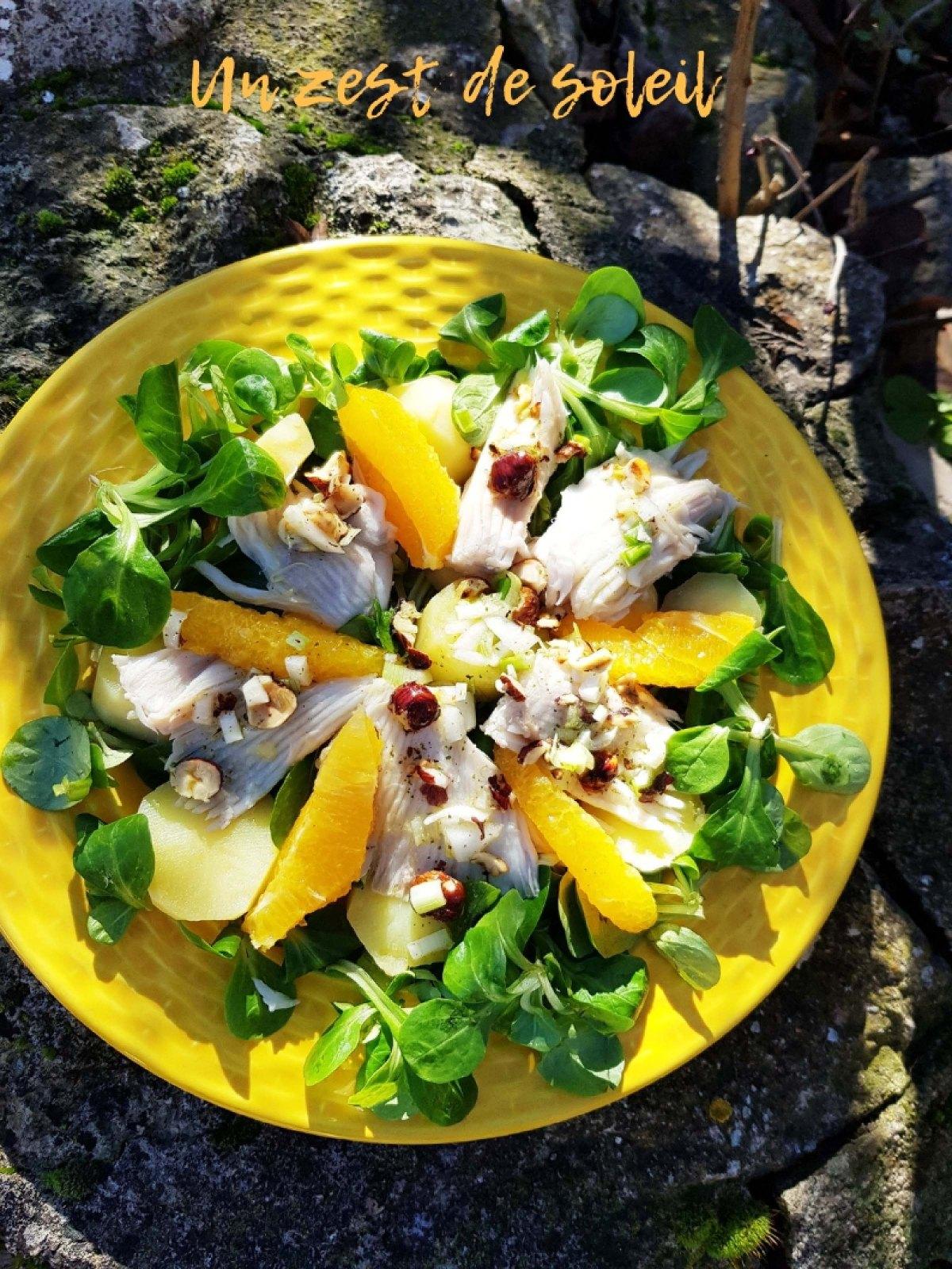 Salade tiède de raie à l'orange et noisettesgrillées