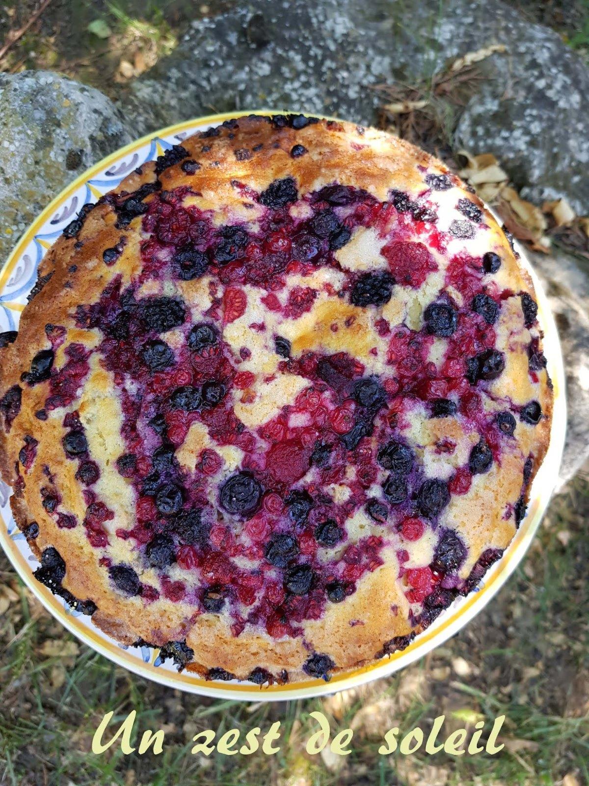 Gâteau au yaourt et fruitsrouges
