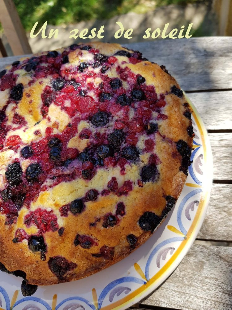 gateau yaourt et fruits rouge 2